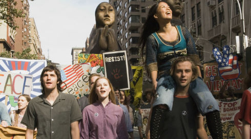 Evan Rachel Wood, Jim Sturgess, Joe Anderson und T. V. Carpio in «Across the Universe»