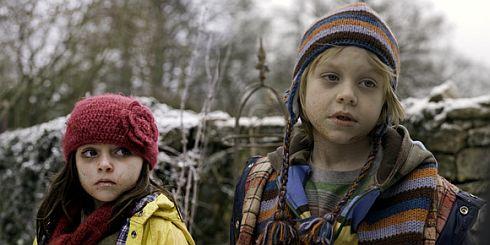 Eva Sayer und Jake Hathaway in «The Children»