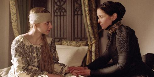 Anna Maria Mühe und Julie Delpy in «The Countess»