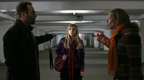 Samuel Weiss, Elisa Schlott und Susanne-Marie Wrage in «Giulias Verschwinden»