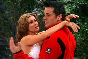 Carmen Electra und Matt LeBlanc in «Joey»