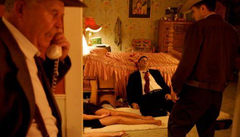 Ned Beatty, Jessica Alba, Jay R. Ferguson und Casey Affleck in «The Killer Inside Me»