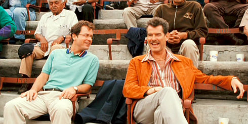Greg Kinnear und Pierce Brosnan in «The Matador»