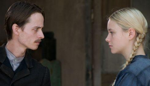 Tom Schilling und Anna Unterberger in «Mein Kampf»