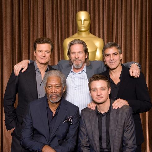 Colin Firth, Morgan Freeman, Jeff Bridges, Jeremy Renner und George Clooney (Foto: Todd Wawrychuk / ©A.M.P.A.S.)