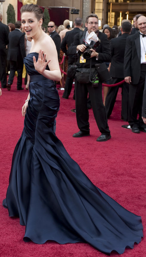 Kristen Stewart auf dem roten Teppich (Foto: Matt Petit/©A.M.P.A.S.)