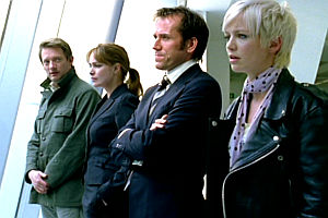 Douglas Henshall, Lucy Brown, Ben Miller und Hannah Spearritt in «Primeval»
