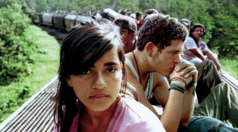 Paulina Gaitan und Édgar Flores in «Sin nombre»