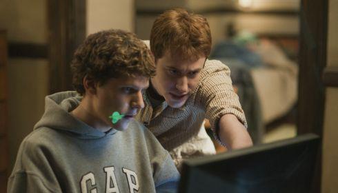 Jesse Eisenberg und Joseph Mazzello in «The Social Network»