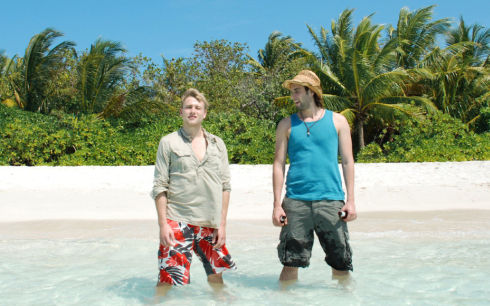 Max Riemelt und Maximilian Simonischek in «Tausend Ozeane»