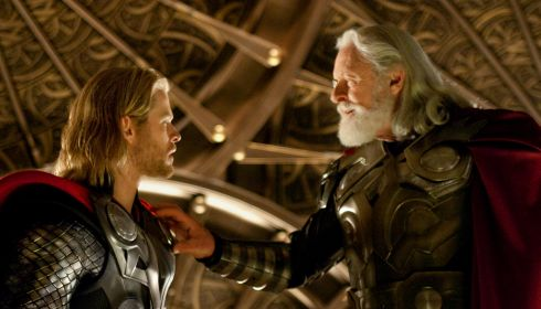 Chris Hemsworth und Anthony Hopkins in «Thor»